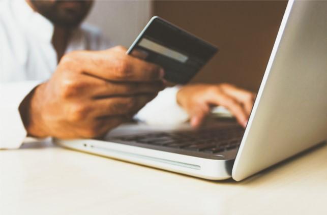 Mover el saldo de una tarjeta de crédito